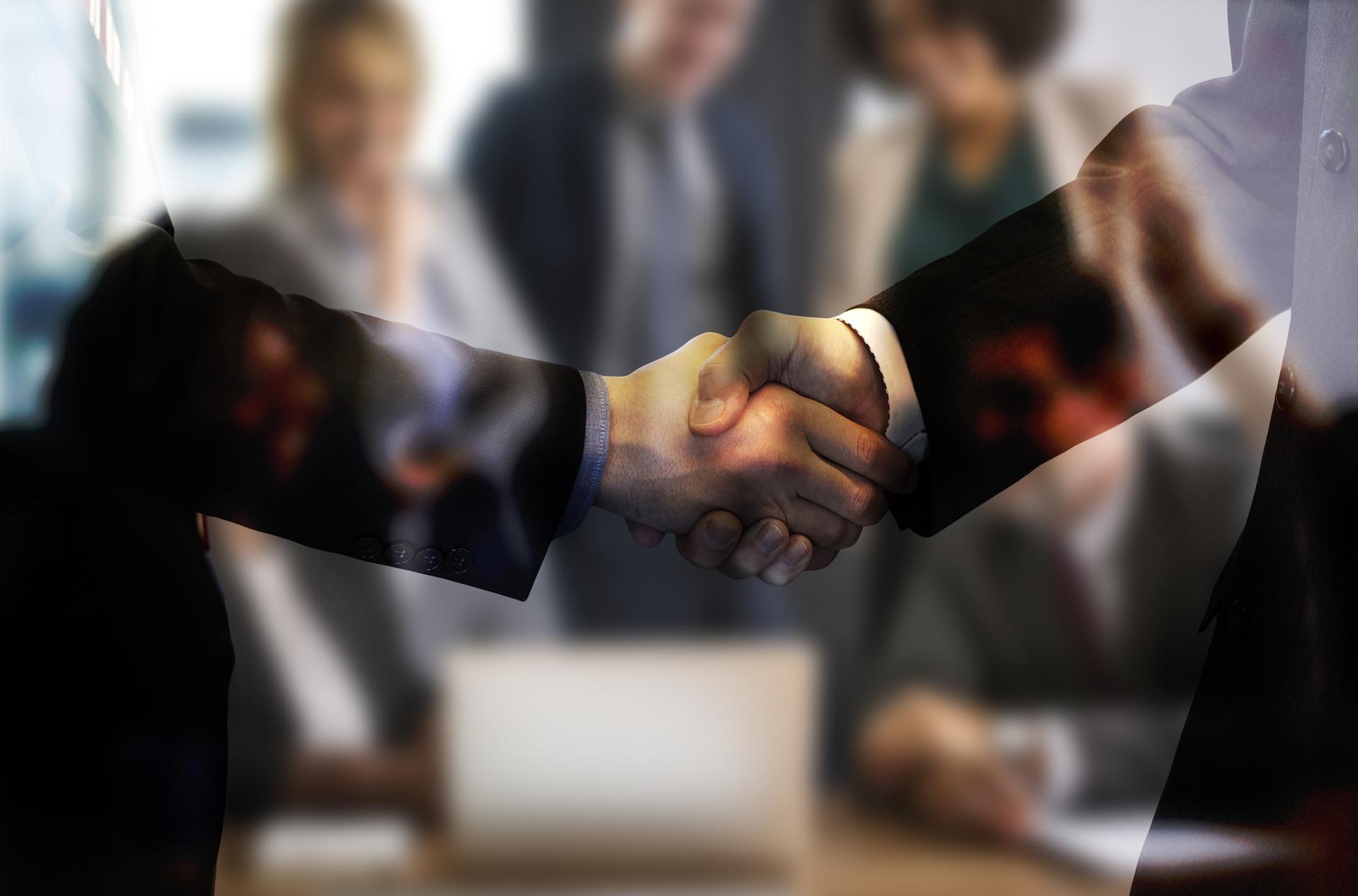 handshake-5768632_1920